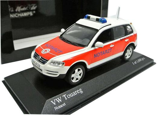 Red-White 1:43 Scale Minichamps Diecast VW Touareg Model