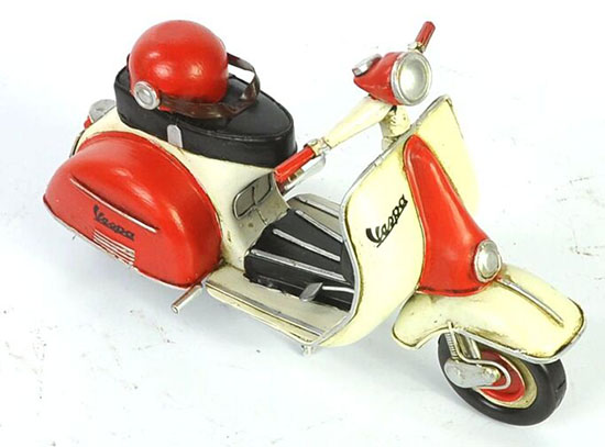 Tinplate Handmade Red-White Retro 1965 Vespa Scooter Model