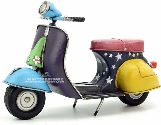 Handmade Colorful Painting Tinplate 1969 Vespa Scooter Model