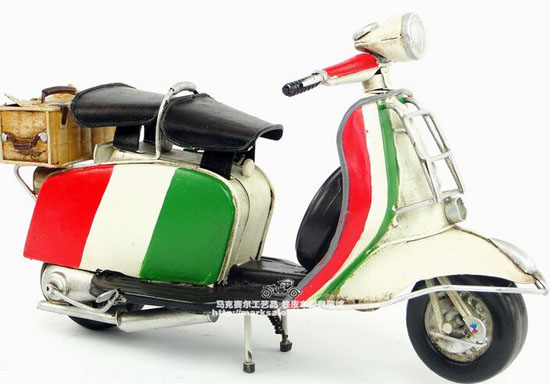 Tinplate Handmade Colorful Painting 1965 Vespa Scooter Model