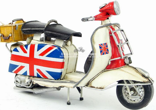 Tinplate Handmade National Flag Pattern Retro Vespa Scooter
