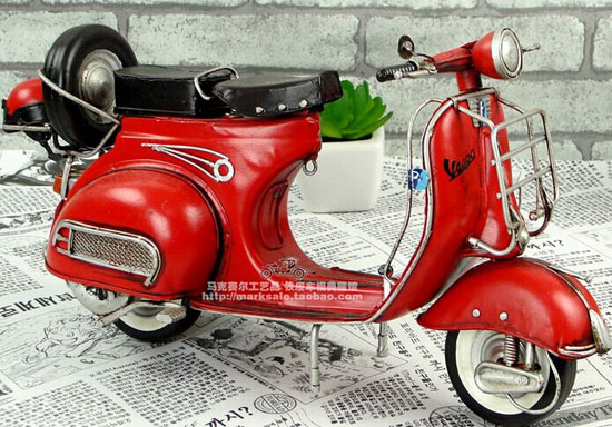 Handmade Red / Yellow Tinplate Retro 1959 Vespa GS150 Scooter