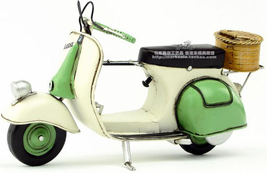 Green-White Handmade Tinplate Retro 1959 Vespa Scooter Model