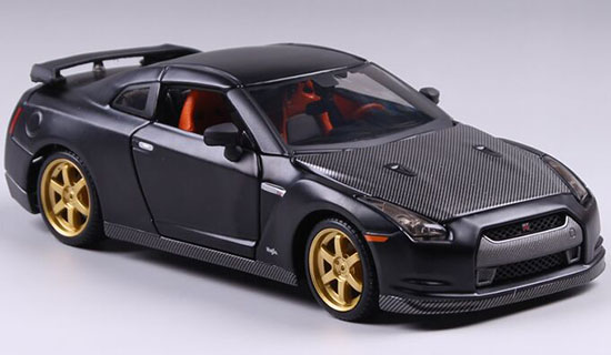 1:24 Scale Maisto Black Die-Cast 2009 Nissan GT-R Model