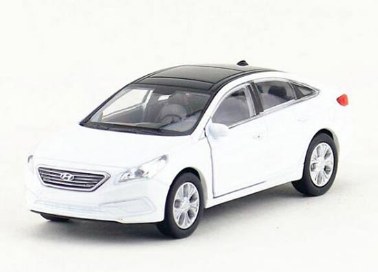 White 1:36 Scale Kids Welly Diecast Hyundai Sonata Toy