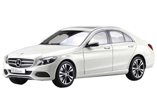 White 1:18 Scale 2016 Diecast Mercedes-Benz C200 Model
