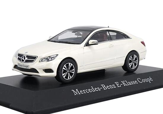 White 1:43 Scale Diecast Mercedes-Benz E-Class Coupe Model