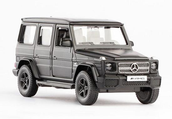 1:36 Silver / Black / White / Gray Mercedes-Benz G63 AMG Toy