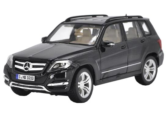 1:18 Scale Maisto Black Diecast Mercedes-Benz GLK 350 Model