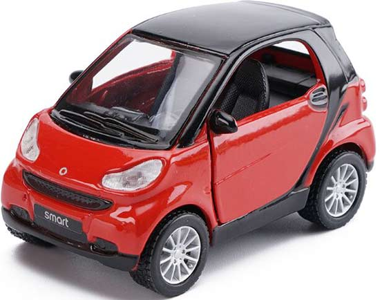 Red / Yellow Kids 1:32 Maisto Diecast Mercedes-Benz Smart Toy