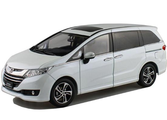 1:18 Scale Deep Blue / White Diecast Honda Odyssey Model