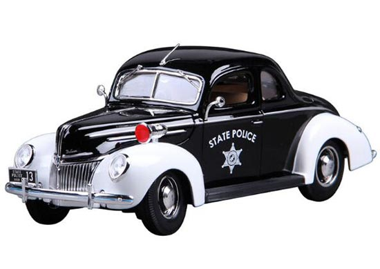 1:18 Scale Black-White Police Diecast 1939 Ford Deluxe Model