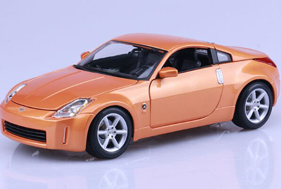Silver / Orange 1:18 Scale Maisto Diecast Nissan 350Z Model