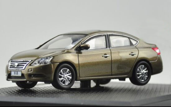 Golden 1:43 Scale Diecast Nissan SYLPHY Model