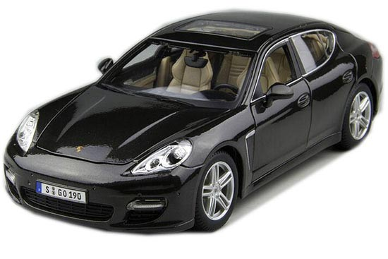 Red / Black 1:18 Scale Maisto Die-Cast Porsche Panamera Model
