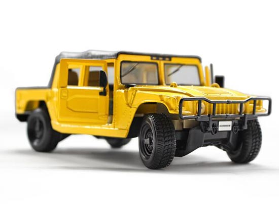 1:27 Scale Yellow MaiSto Diecast Hummer H1 Pickup Truck Model