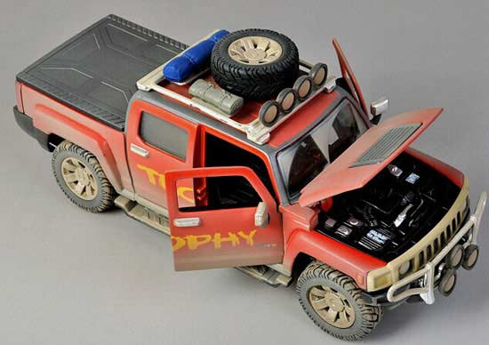 1:26 Scale Red MaiSto Diecast Hummer H3T Pickup Truck Model