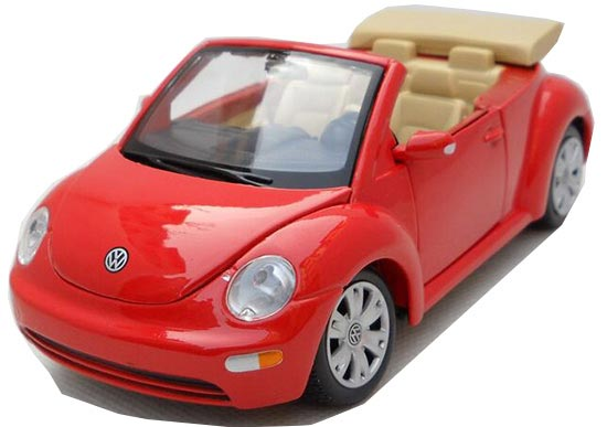 1:25 Scale Red / Blue MaiSto Diecast VW New Beetle Model